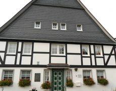 Schiefer+ Fachwerkfassade
